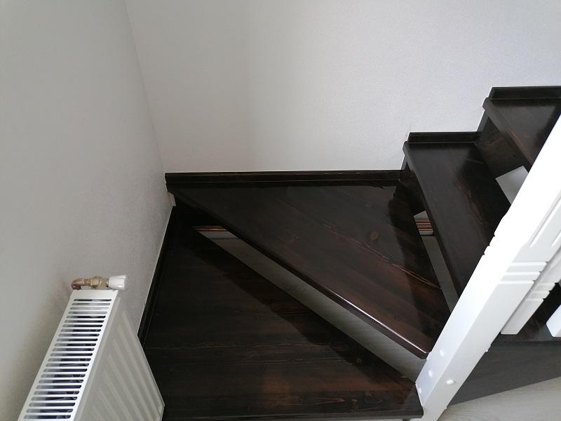 scari de interior din lemn masiv